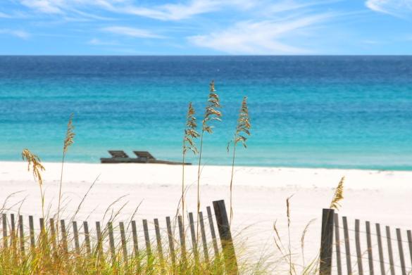 White-sand-beach-where-a-new-luxury-resort-in-Destin-FL-will-be-built